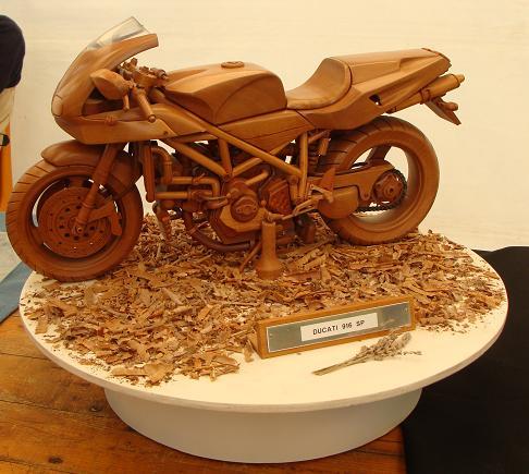 Festival des artisants d 39 art et du mod le r duit lizio - Modele sculpture sur bois gratuit ...