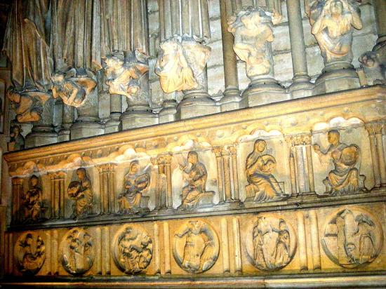 Cartouches de Notre Dame Langue des Oiseaux