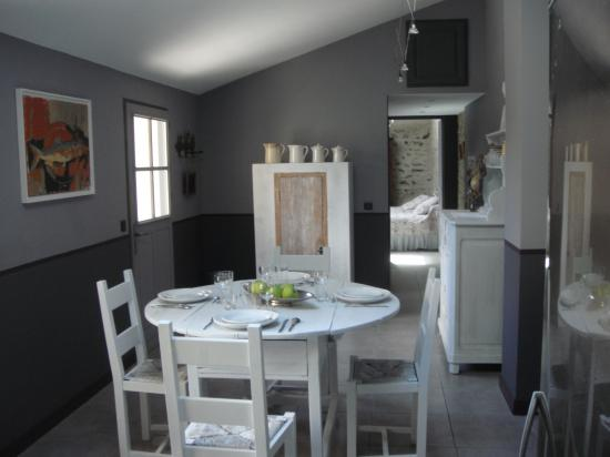 Living Happy With The Sweet Kitchen Design