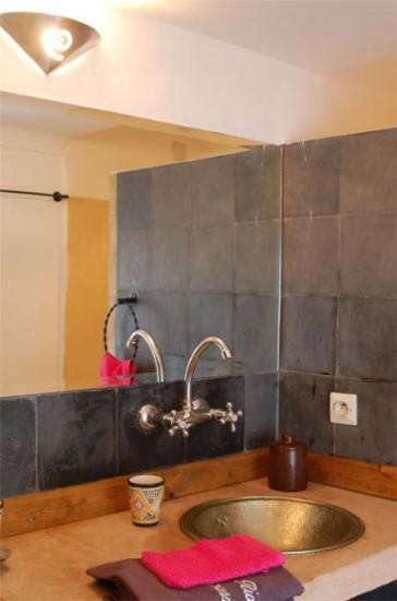les chambres. Black Bedroom Furniture Sets. Home Design Ideas