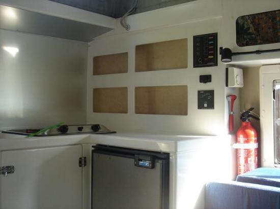 Ti kaz land le studio 4x4 land rover cellule azalai for Tableau electrique pour cuisine