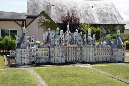 chamerolles chteau renaissance construit par lancelot du lac au dbut du xvie chteau et jardins entierement restaurs par le dpartement du loiret - Chateau De Chamerolles Mariage