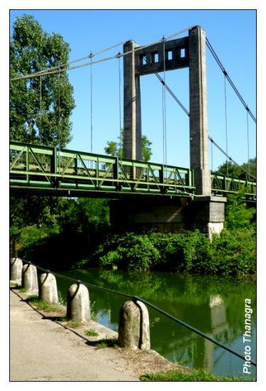 Pont suspendu de Roset Fluans