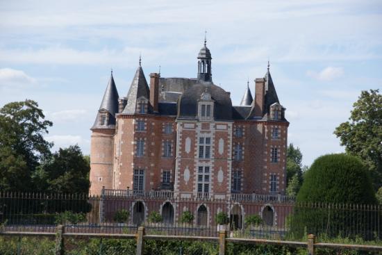 La fert imbault for Chateau etampes