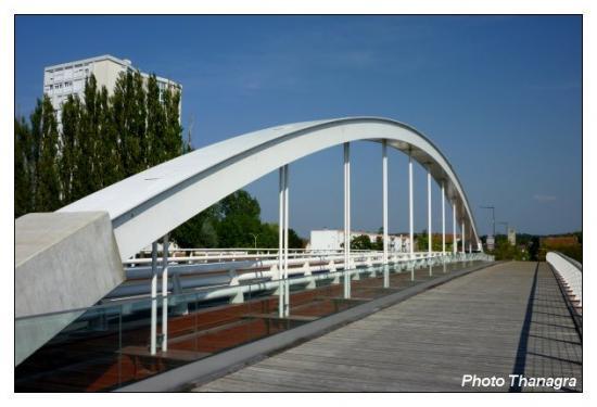 Le pont entre Audincourt et Valentigney