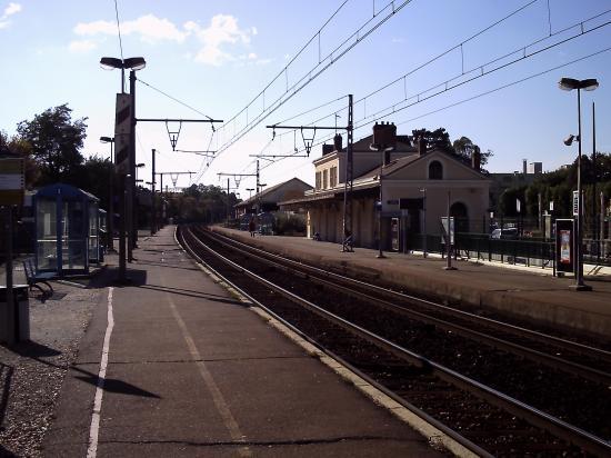 Gare d'Epernon