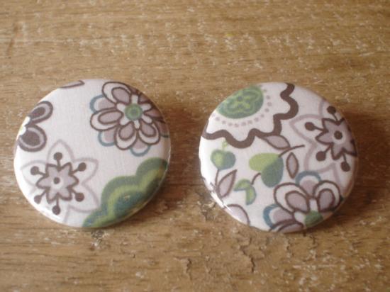 Badges 32 Lauren marron et vert