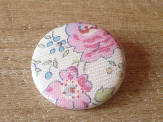 Badge 32 Felicite rose et bleu
