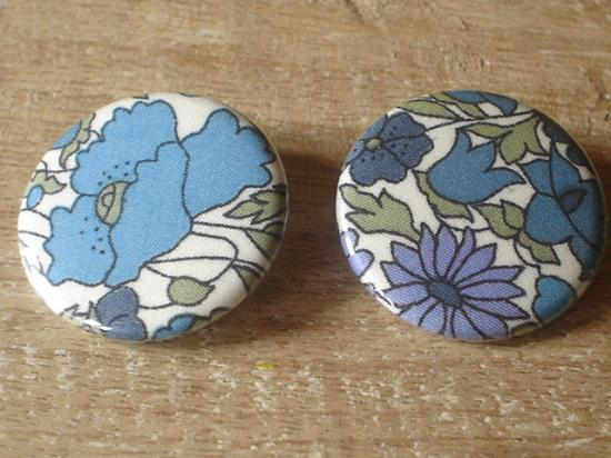 Badge 32 Poppyd an Daisy turquoise