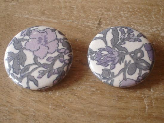 Badges 32 Meadow violet