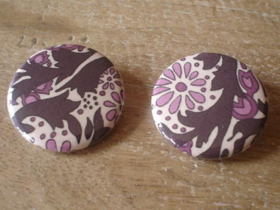Badges 32 Trev violet