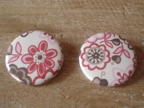 Badges 32 Lauren rose et marron