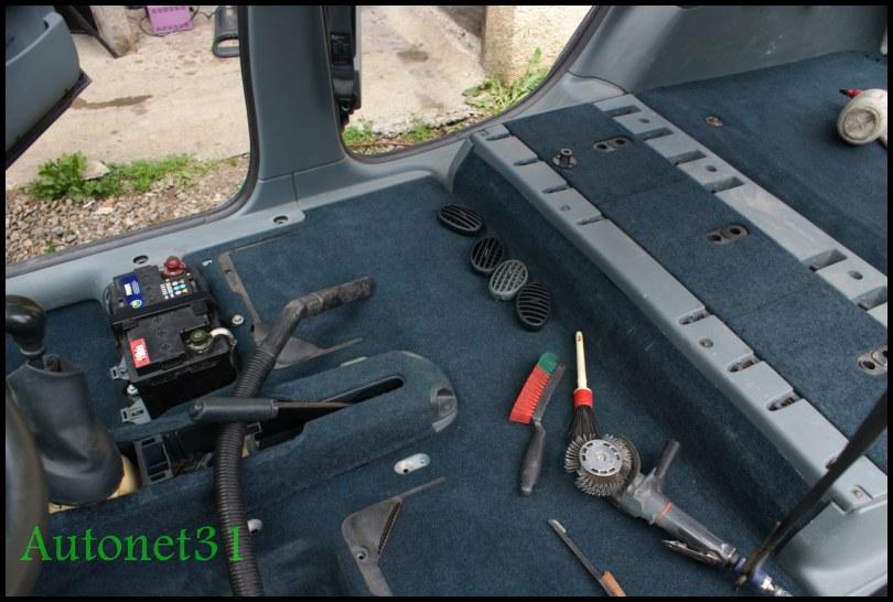 Nettoyage moquette voiture pressing auto clean la r f for Moquette interieur voiture