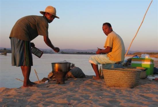 Sur le fleuve de laTsiribihina