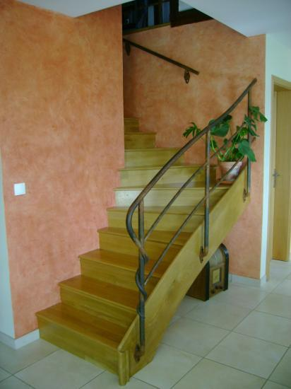 habillage d 39 un escalier en b ton. Black Bedroom Furniture Sets. Home Design Ideas