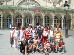 Notre classe devant la gare de l'Est à Paris