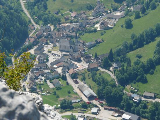 Les deux saint pierre d' Entremont (isère et Savoie)