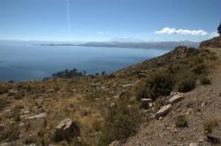 Vista sobre el lago y las montanas - Cerca de Tiquina