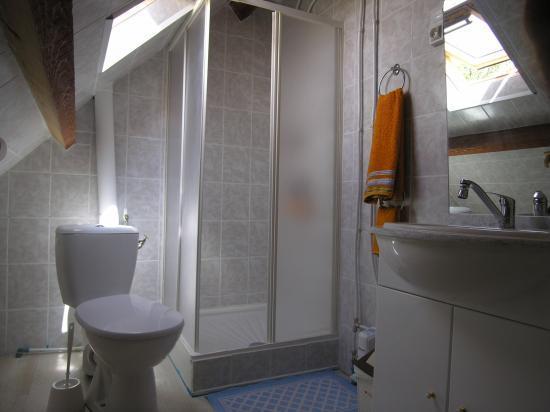 Chambre 5 location chambre for Salle de bain 7m2