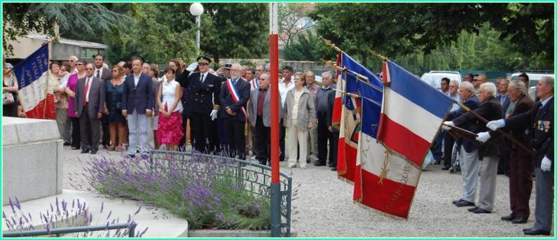 Le salut des Porte-drapeaux
