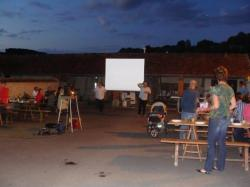 Festivités du 14 juillet à la Chapelle-Monthodon : un barbecue et une projection en plein air !
